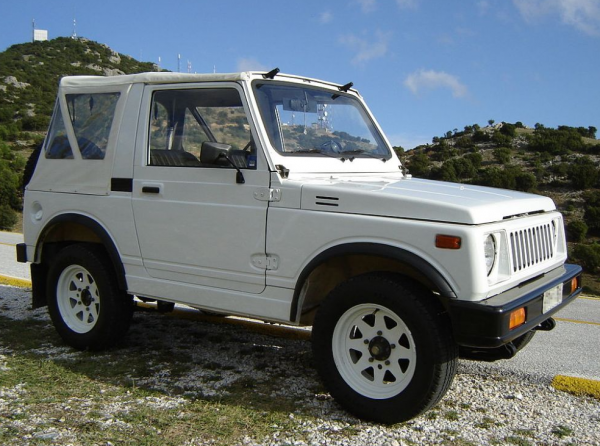 Suzuki SJ 413/410