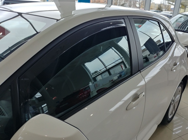 Toyota Corolla E180